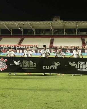 """Sylvinho elogia Corinthians, mas """"precisa de algo a mais"""""""