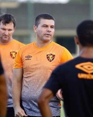 Umberto Louzer lamenta derrota no 'detalhe' contra o Juventude