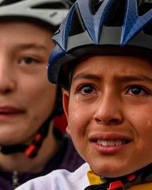 A trágica morte de menino ciclista cuja foto às lagrimas rodou o mundo