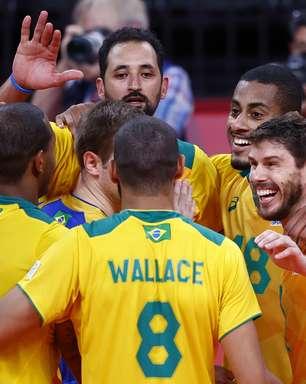 Brasil vence Japão e reencontra russos na semifinal do vôlei