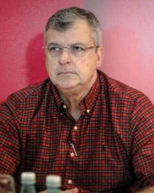 Atual presidente do Vitória nega conflito com Paulo Carneiro