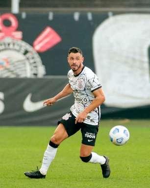 Giuliano celebra volta da torcida do Corinthians ao estádio: 'Estamos muito ansiosos'