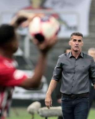 Torcida do Grêmio se manifesta sobre Vagner Mancini