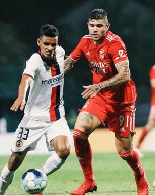 Morato, ex-São Paulo, celebra classificação do Benfica e confiança de Jorge Jesus