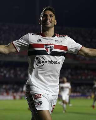 Com gol de Calleri, São Paulo bate o Corinthians no Morumbi