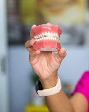 Soluções caseiras para por fim à dor da dentadura