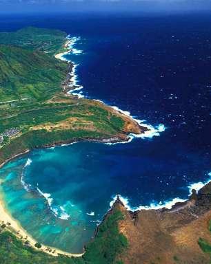 Veja 10 buracos azuis e piscinas naturais impressionantes