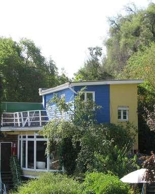 Antiga casa de Pablo Neruda, museu conta a história do poeta