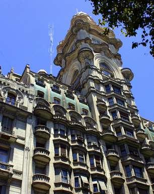 Palácio argentino foi criado para guardar as cinzas de Dante