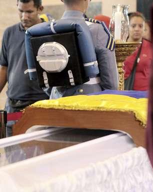 Corpo de Chávez será embalsamado e ficará exposto por mais 7 dias