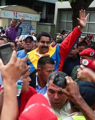 Maduro e Capriles iniciam pré-campanha nas ruas da Venezuela