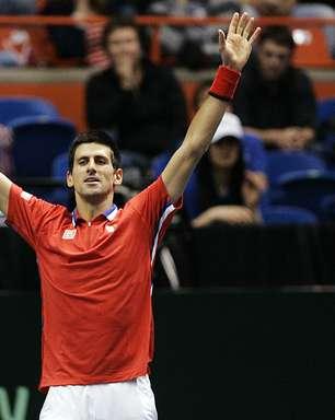 Djokovic classifica Sérvia para semifinais da Copa Davis