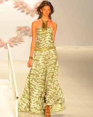 Longos godês dão as caras na passarela de verão do Fashion Rio