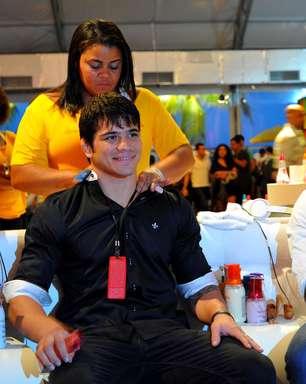 Erick Silva e Feijão, do UFC, vão pela primeira vez ao Fashion Rio