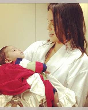 Bruna Marquezine posta foto com bebê de 'Salve Jorge'