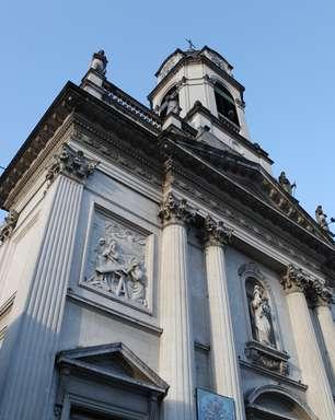 Circuito Papal leva turista à escola, cabeleireiro e antiga casa do papa