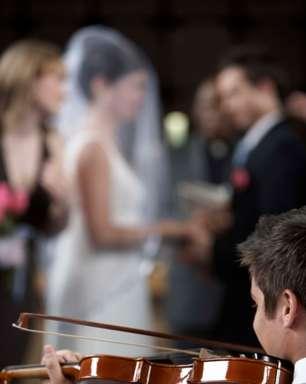 Site dá dicas para homens ajudarem as noivas a planejar o casamento