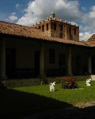 Antigo cemitério abriga museu de arte sacra em Caracas