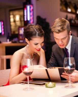 Dois em três homens querem que a mulher divida a conta, diz estudo