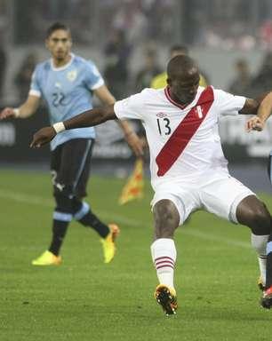 Uruguai explica lesão, e Forlán deve entrar em campo contra a Colômbia
