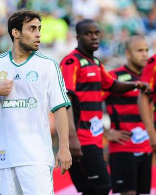 Valdivia é convocado pelo Chile e desfalcará Palmeiras em três jogos