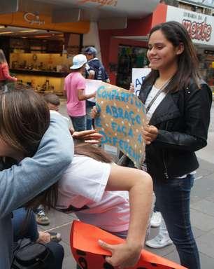 Kiss: abraços, doações e minuto de barulho marcam 8 meses da tragédia