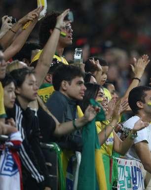Torcida lota estádio e faz festa para os dois lados em Brasil x Coreia