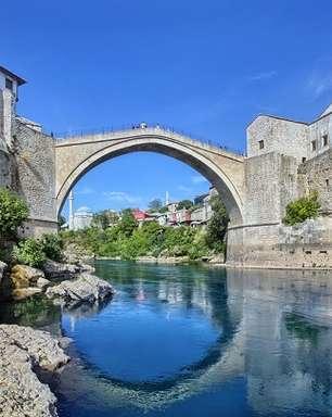 Reabilitando-se da guerra, Bósnia é rica em história