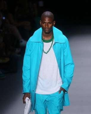 R.Groove apresenta cores vibrantes e camisetas transparentes