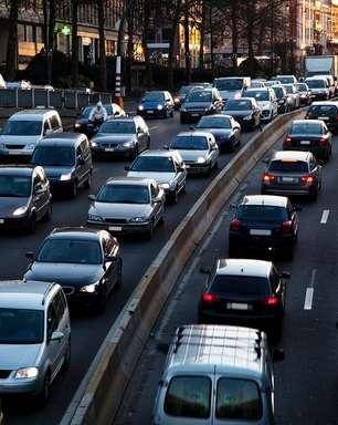 Carros que trafegam em congestionamento devem ser revisados