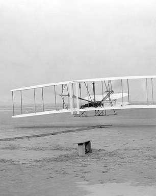 Irmãos Wright: primeiro voo motorizado da história completa 110 anos