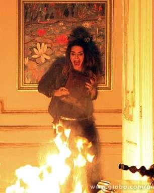 'Amor à Vida': Leila morre em incêndio na mansão; veja fotos
