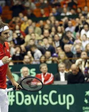 Federer e Wawrinka deixam Suíça perto das quartas na Davis