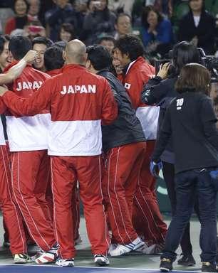 Japão bate Canadá e conquista 1ª vitória da história no Grupo Mundial