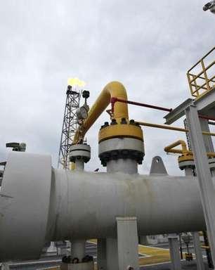 Petrobras abre 8 mil vagas com salário de até R$ 8.081,98