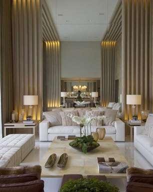 Com decoração elegante, apartamento de 350 m² vira palacete