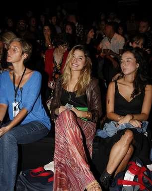 Sasha é destaque nos bastidores; veja famosos no Fashion Rio
