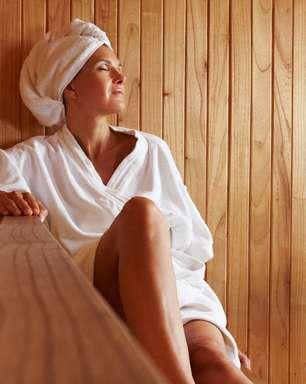 Sauna facilita cuidados com a pele e ajuda no combate à acne