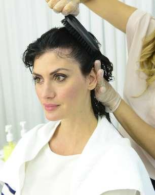 Limpeza do couro cabeludo traz brilho e maciez aos fios