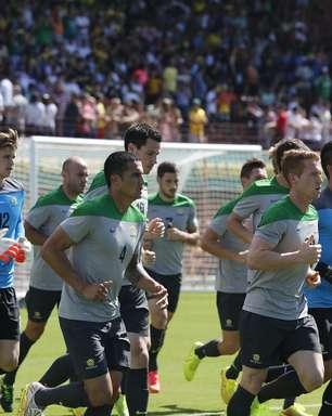 Seleção da Austrália treina com público no Espírito Santo