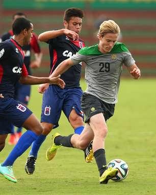 Austrália corta jogador lesionado contra Paraná e mais três