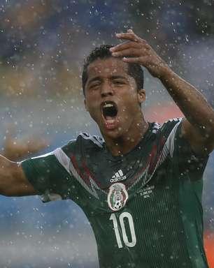 "México tem 2 gols mal anulados, e torcida dispara: ""assalto"""