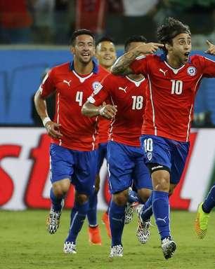 Torcida empurra, e Chile vence Austrália com gol de Valdívia