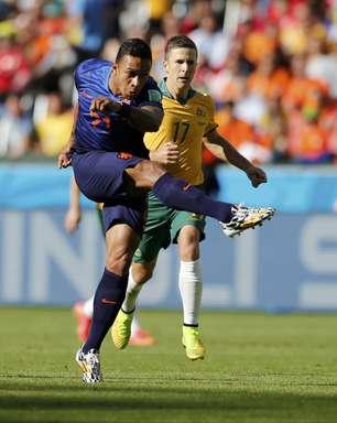Com sustos, Holanda vira contra Austrália e se classifica