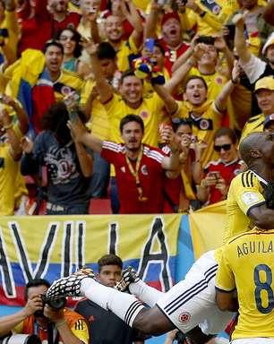 """""""Em casa"""", Colômbia derrota Costa do Marfim e encaminha vaga"""