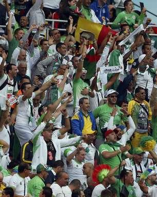 Argelino leva garrafada durante jogo contra Coreia no RS