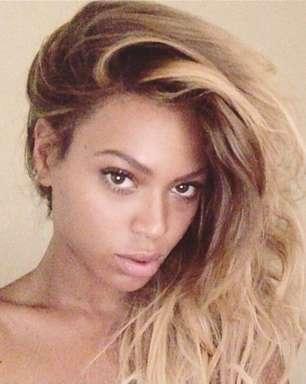 De cara lavada, Beyoncé faz pose e ganha elogios