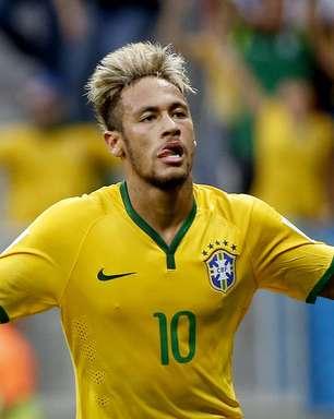 """""""Quando Neymar faz chover é normal"""", brinca David Luiz"""