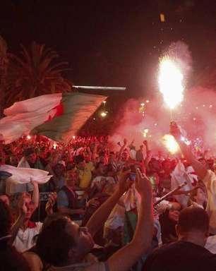 Festa por classificação deixa 2 mortos e feridos na Argélia