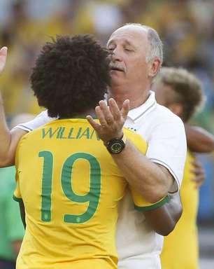Seleção aumenta carga contra insinuação de complô pró-Brasil